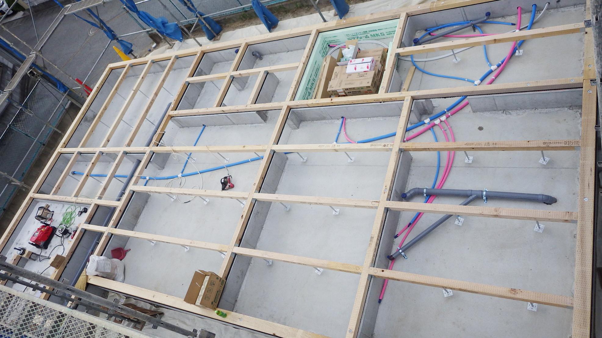漆喰塗り壁のかわいいお家 土台敷き工事3