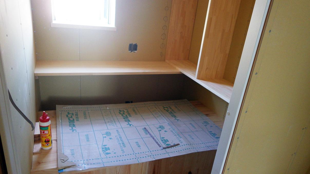 漆喰塗りのかわいいお家 内装工事10