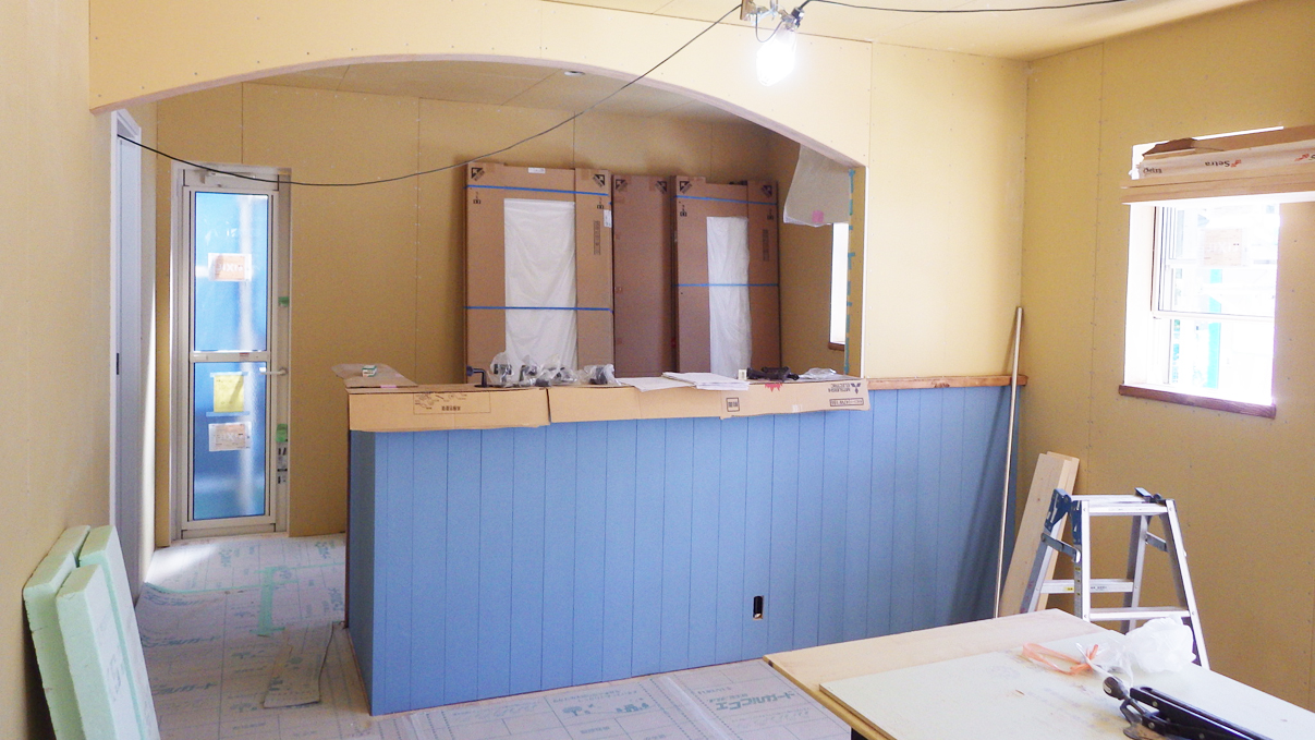 漆喰塗り壁のかわいいお家 内装工事12