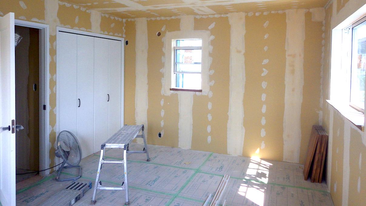漆喰塗り壁のかわいいお家 内装工事16