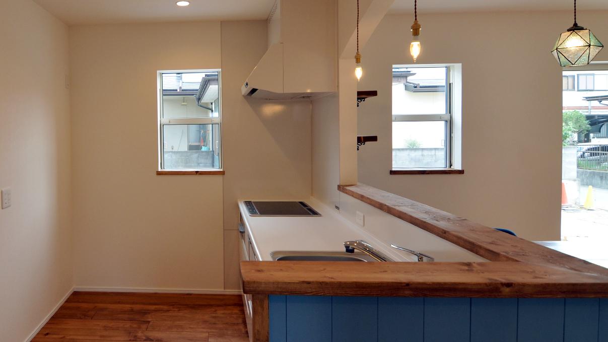 漆喰塗り壁のかわいいお家 キッチンエリア