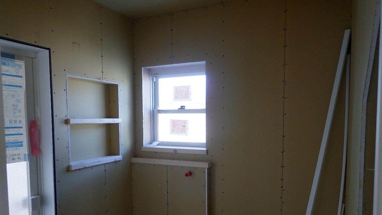 自然素材の漆喰外壁のお家 内装工事10