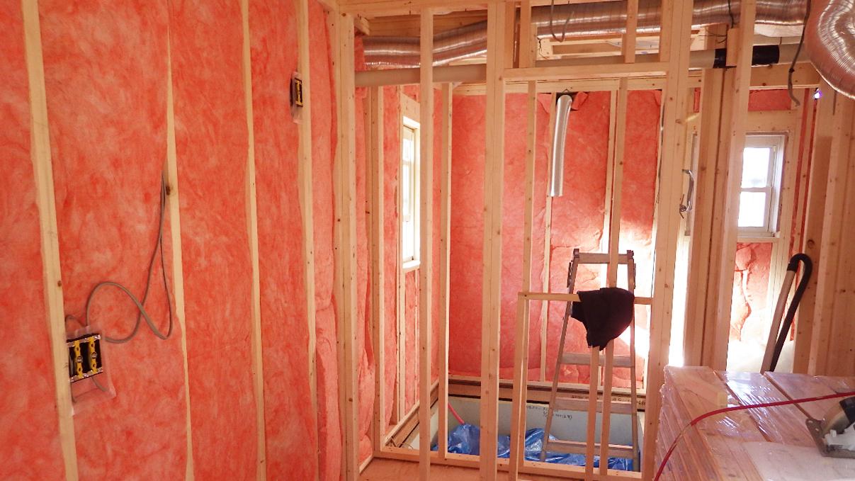 自然素材の漆喰外壁のお家 内装工事2
