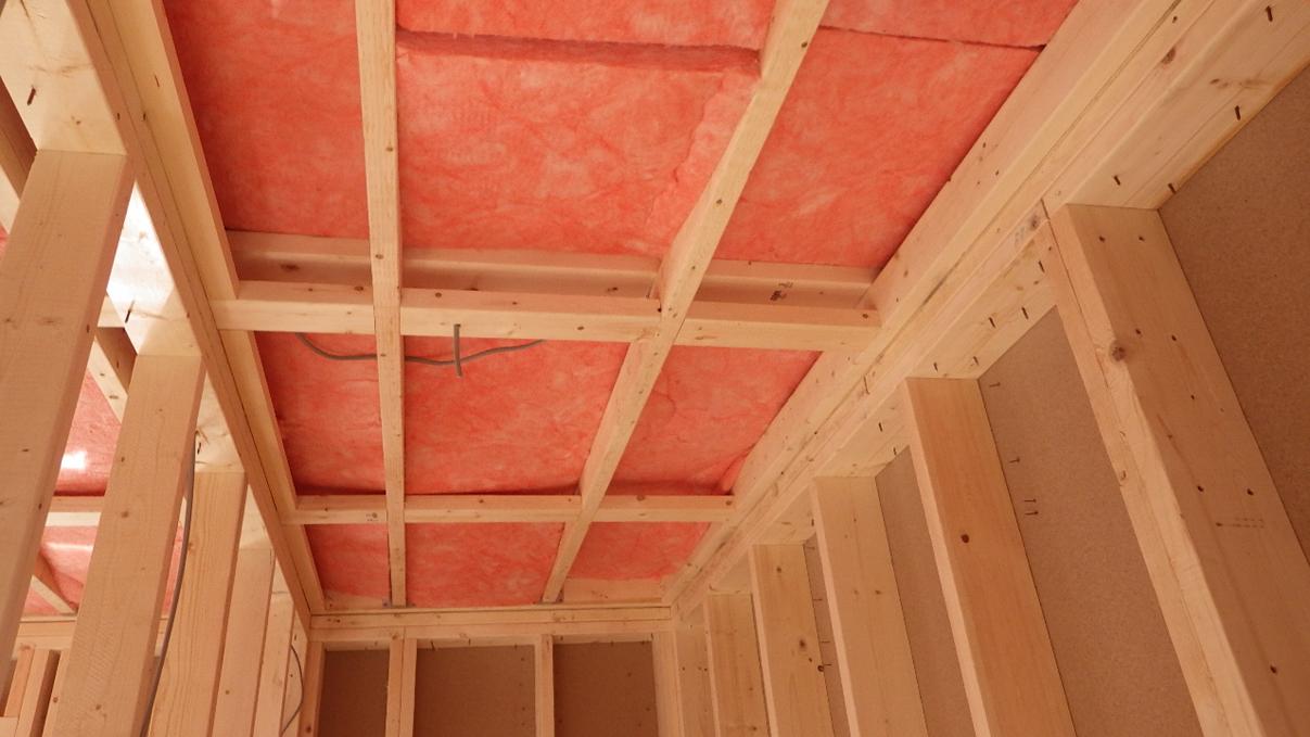 自然素材の漆喰外壁のお家 内装工事3