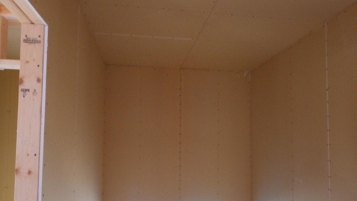 自然素材の漆喰外壁のお家 内装工事8