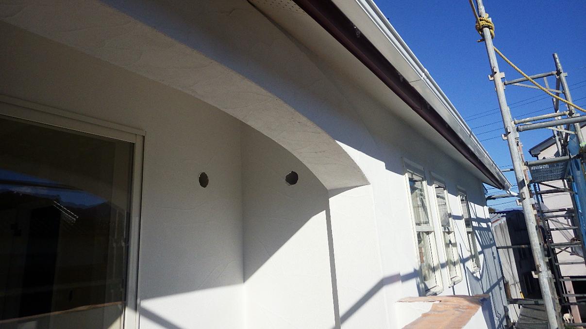 自然素材の漆喰外壁のお家 外装工事10