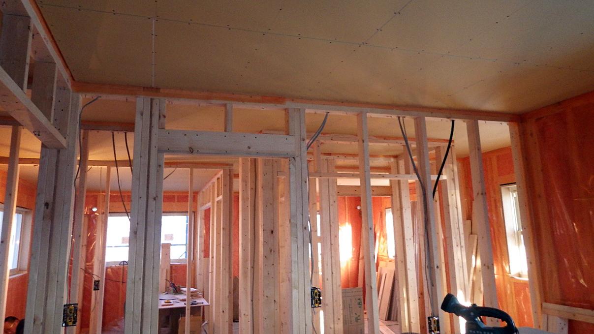 漆喰仕上げのキュートなお家 内装工事9