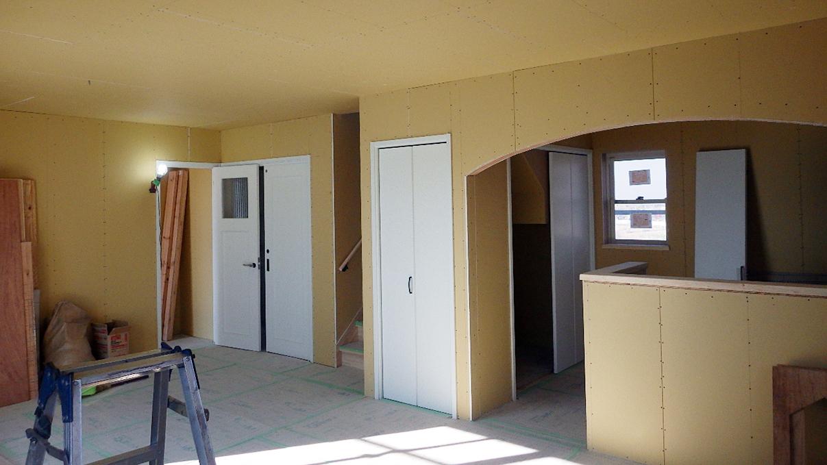 漆喰仕上げのキュートなお家 内装工事12