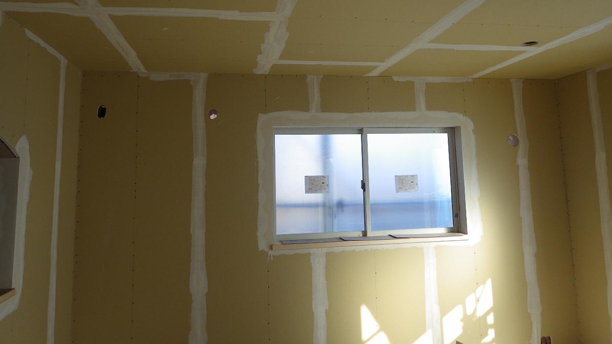 漆喰仕上げのキュートなお家 内装工事15