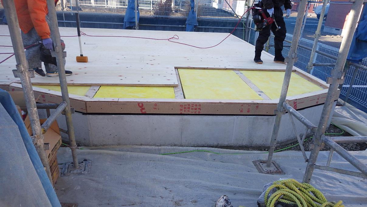 自然素材にこだわるお家 土台敷き工事2