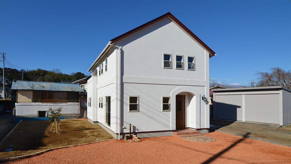 自然素材の漆喰外壁のお家 外観写真3