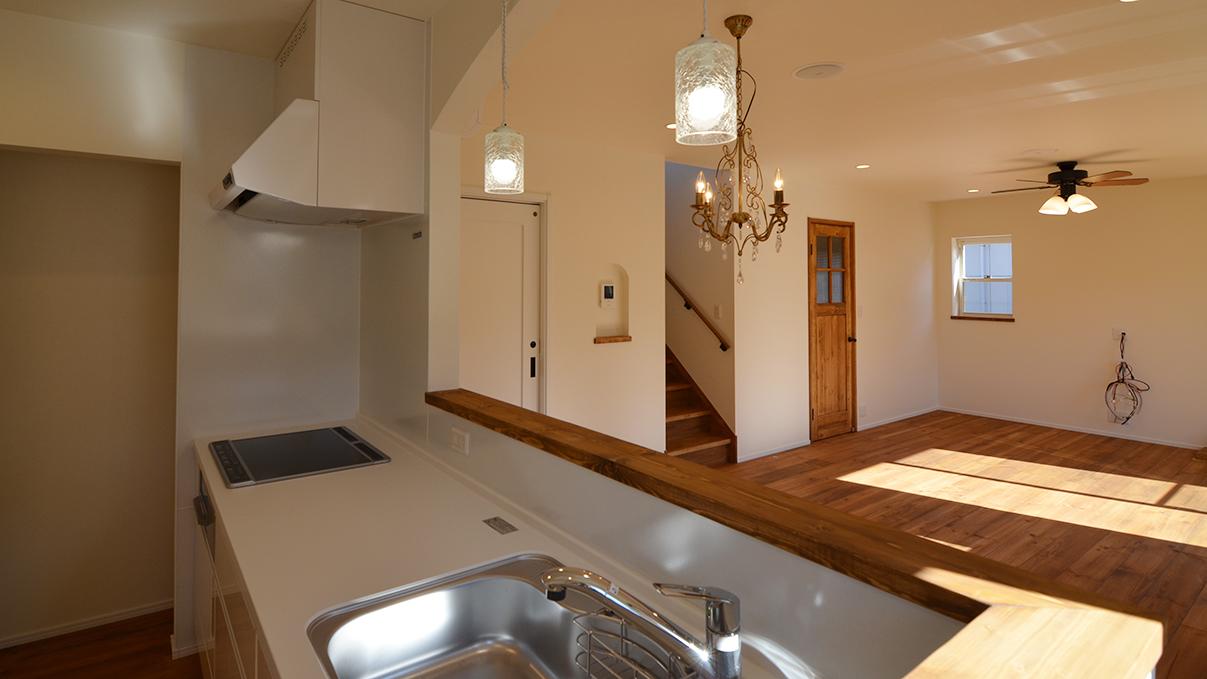自然素材の漆喰外壁のお家 キッチンエリア2