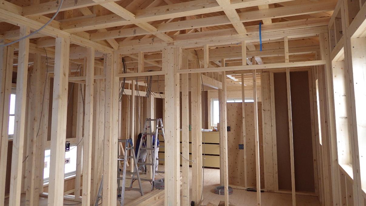 自然素材にこだわるお家 内装工事1