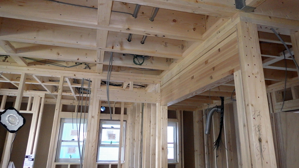 自然素材にこだわるお家 内装工事4
