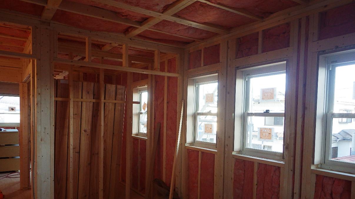 自然素材にこだわるお家 内装工事7