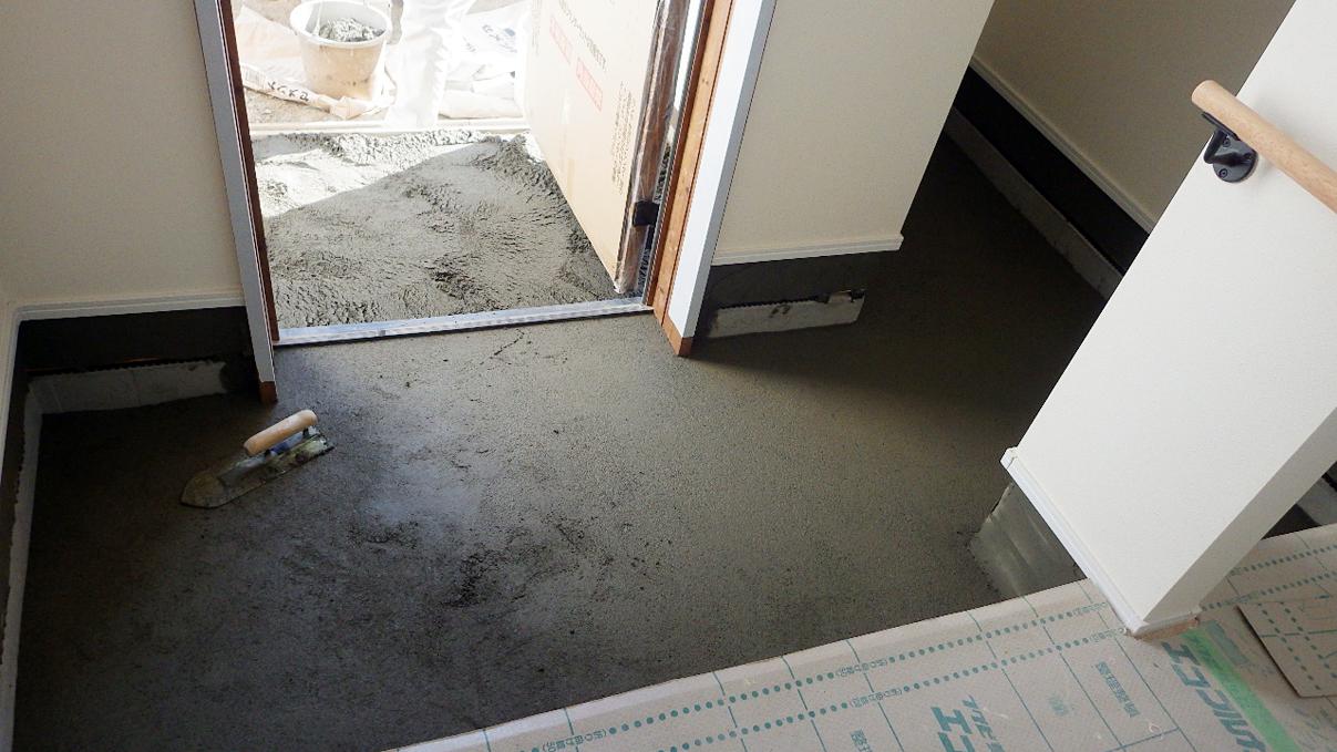 漆喰仕上げのキュートなお家 外装工事18