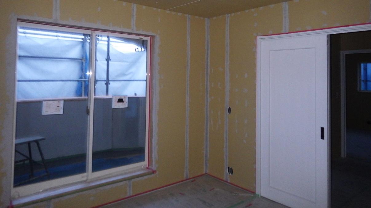 自然素材にこだわるお家 内装工事12