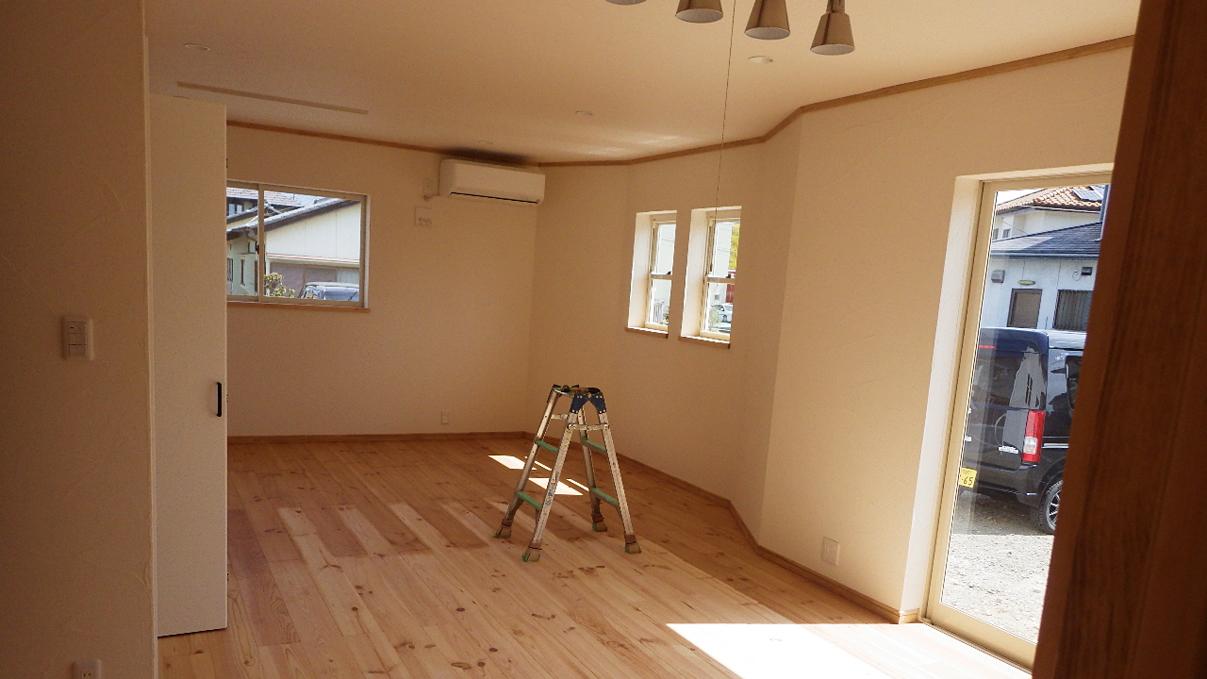 自然素材にこだわるお家 内装工事20