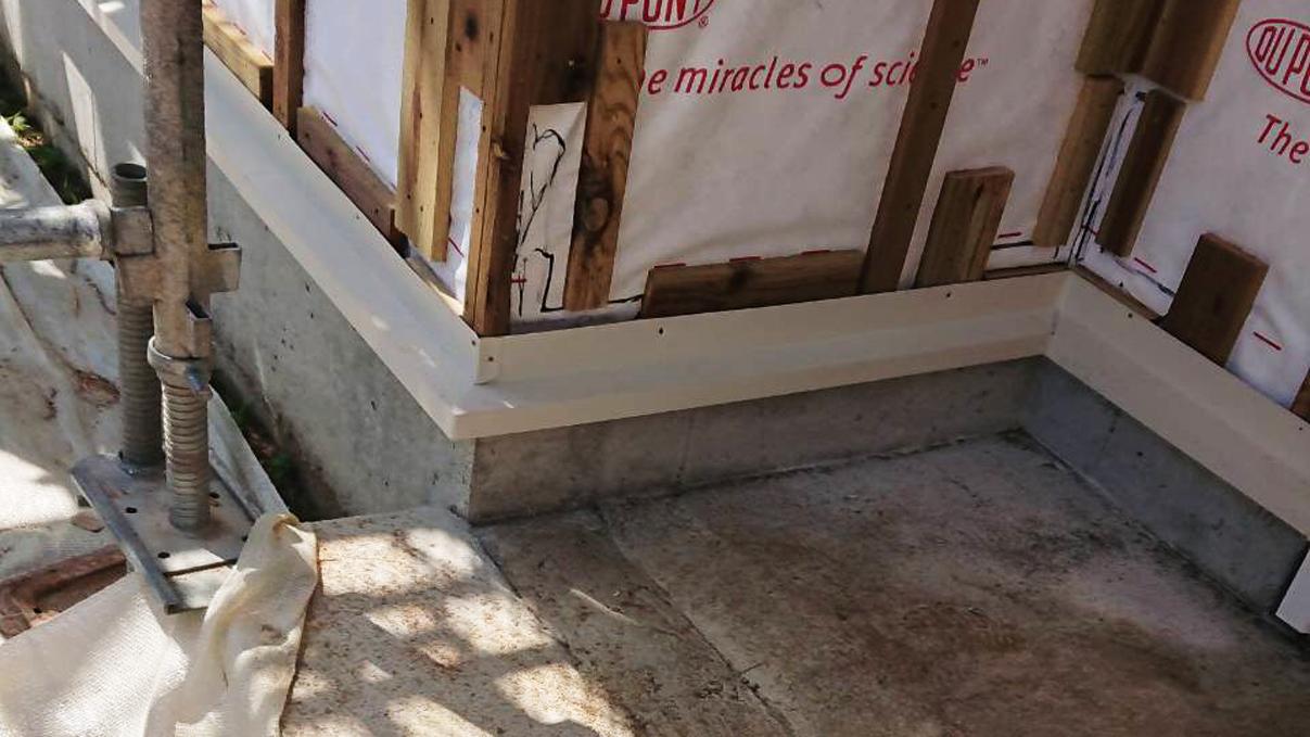 大好きな自然素材の漆喰のこだわりのお家 外装工事5