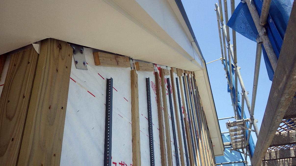 大好きな自然素材の漆喰のこだわりのお家 外装工事6