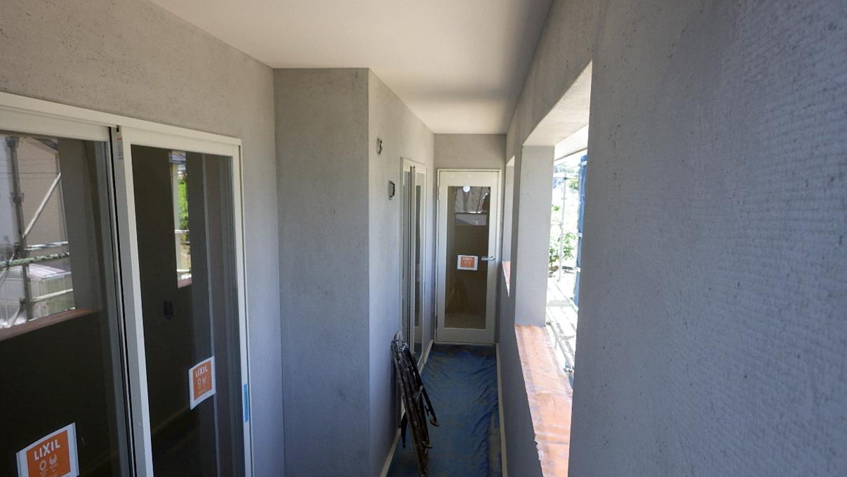 大好きな自然素材の漆喰のこだわりのお家 外装工事16