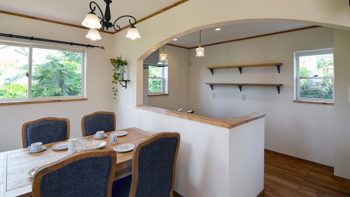 かわいい家 アーチがかわいいキッチン