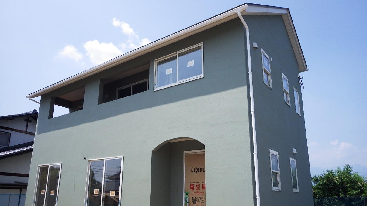 大好きな自然素材の漆喰がこだわりのかわいい家 外装仕上げ2