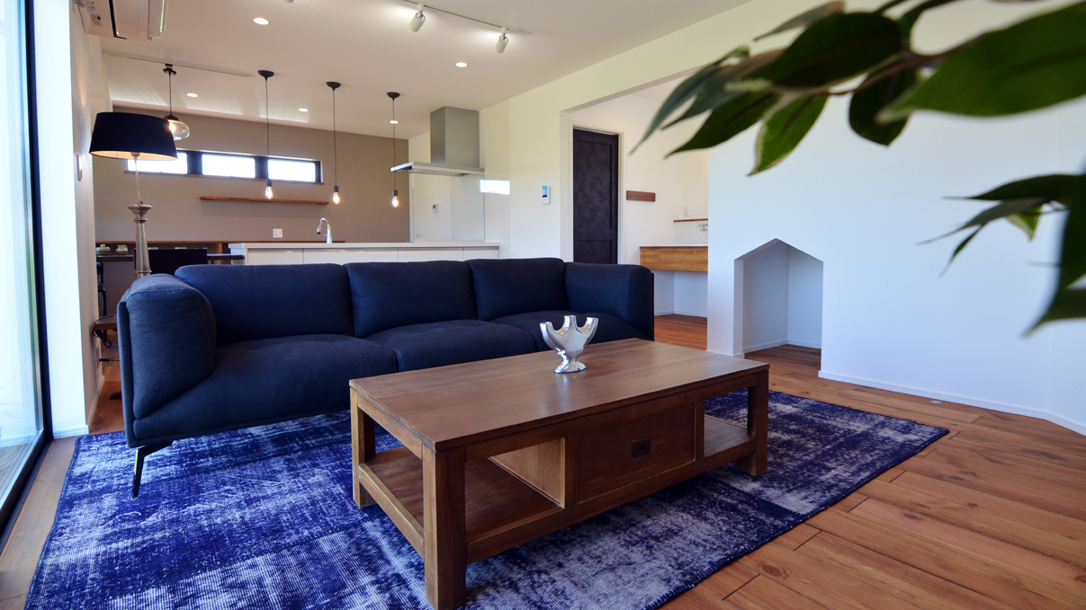 インダストリアルデザインとかわいいが融合したお家 リビング2